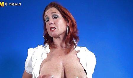 스트립과 재생을 가진 그녀의 에서 가장 아름다운 여자 포르노 동영상 음모는 매우 섹시