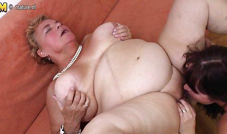 으로 포르노로 아름다운 레즈비언